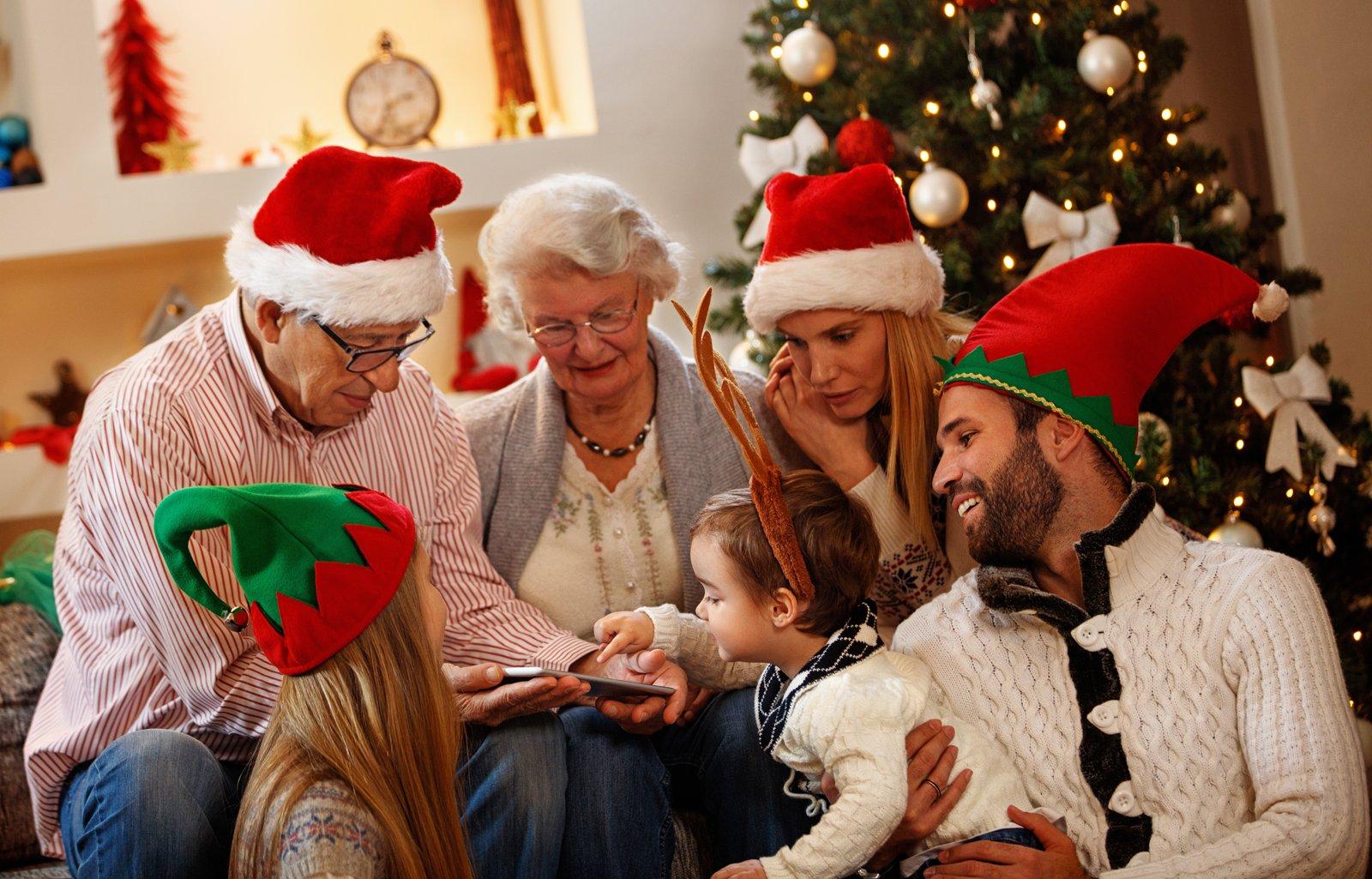 Weihnachten-Familie-1600x